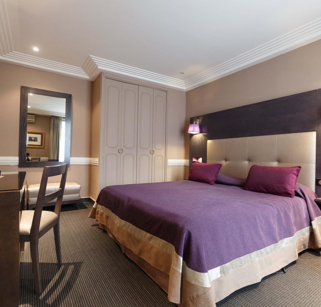 Bienvenue à l'Elysée Hotel